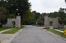 Gateway to the Eagle Point Colony neighborhood