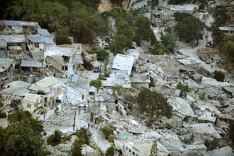 File:Earthquake damage in Port-au-Prince 2010-01-15.jpg