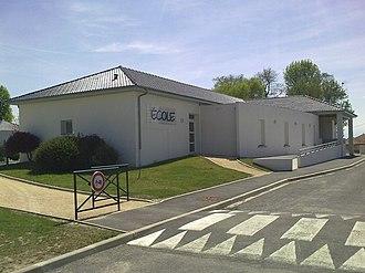 Andoins - Andoins School.