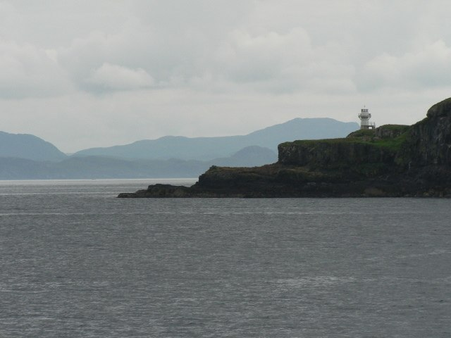 Eilean Chathastail, lighthouse - geograph.org.uk - 916403