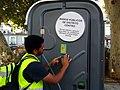 El distrito de Centro instala nuevos baños públicos y lanza una campaña para fomentar su uso 04.jpg