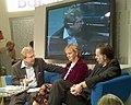 Elke Heidenreich + Bernd Schroeder auf dem Blauen Sofa.jpg