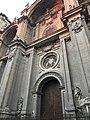 Entrada principal a la catedral de granada.jpg