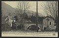 Environs de St-Jean-en-Royans. Oriol-en-Royans - Un pont sur la Lyonne, à droite l'usine électrique Les Forces du Royan, à gauche la Laiterie du Royans. (33727258484).jpg
