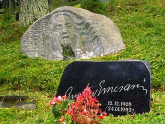 Gustav Ernesaks - Gustav Ernesaks' grave at Metsakalmistu cemetery.