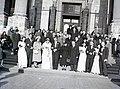Esküvői csoportkép, 1946 Budapest. Fortepan 105210.jpg