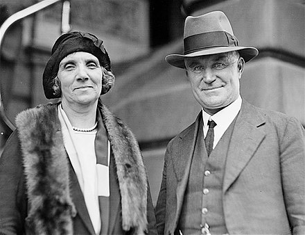 Page and his first wife Ethel Ethel and Earle Page 01.jpg