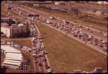FRIDAY AFTERNOON TRAFFIC ON THE STEMMONS FREEW...