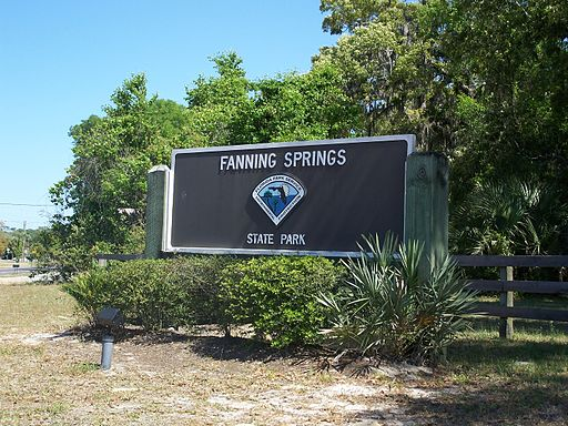 Fanning Springs State Park entrance