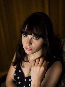 Felicity Jones in una foto promozionale del 2011