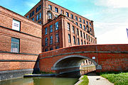Flickr - ronsaunders47 - LEEDS-LIVERPOOL CANAL @ LEIGH. 13.jpg