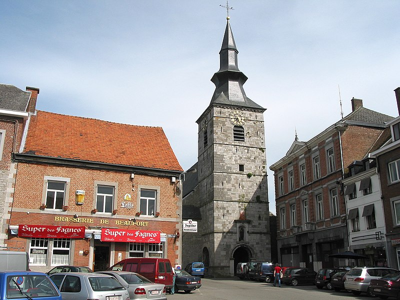 Florennes   (Belgium), place de l'Hôtel de Ville - The Saint-Gangulphe's collegiate church (1755-1756).