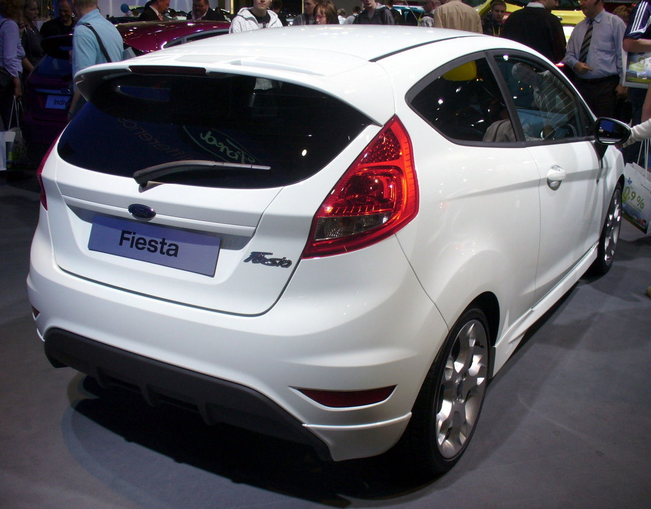 Ford Fiesta Ecoboost Wing Mirror Glass