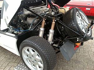 Ford RS200 - The mid-engined RS200's engine bay and rear suspension
