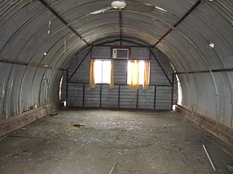 Nissen hut - Image: Former Main Roads Migrant Camp in Narrogin, Western Australia (interior)