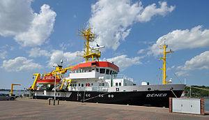 Forschungsschiff Deneb.jpg