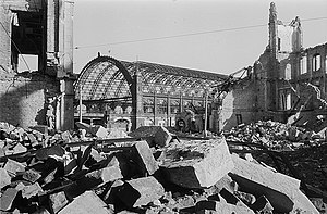 Dresden Mitte station - The ruined station in 1945