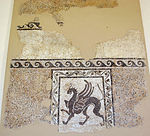 Frammento di mosaico con grifone, da acropoli di rodi, 250 ac. ca..JPG