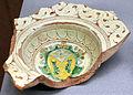 Frammento di piatto con stemma, xvi sec.JPG