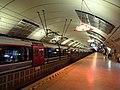 Francilien sous la voûte centrale de la gare Haussmann Saint-Lazare.jpg