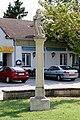 Frauenkirchen - Figurenbildstock, Kirchenplatz.JPG