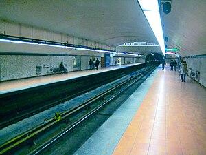 Frontenac station - Image: Frontenac Station Montreal Metro