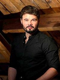 Gabriel Rufián (cropped).jpg