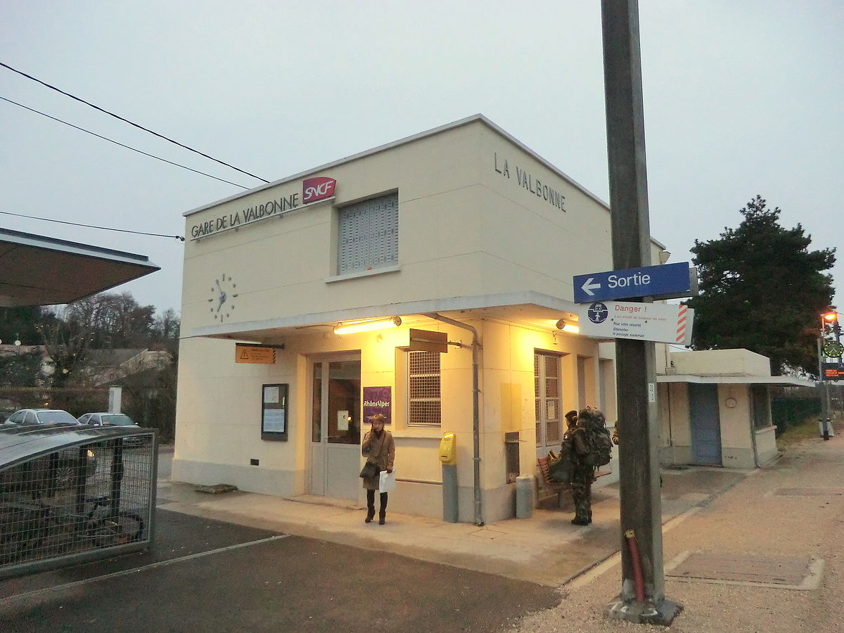 Gare de la valbonne wikip dia for Garage de la gare bretigny