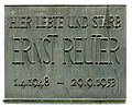Gedenktafel Bülowstr 33 (Zehld) Ernst Reuter.jpg