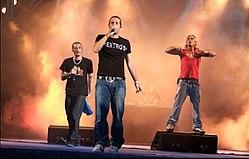 Gemelli diversi wikipedia - Musica gemelli diversi ...