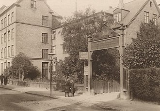 Gimle, Frederiksberg - The main entrance in the 1910s