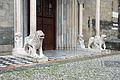 Giovanni da campione, protiro est disanta maria maggiore a bergamo, 1360, 03 leoni stilofori.JPG