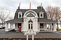 Hôtel de ville de Baie-D'Urfé, 20410, chemin Lakeshore (Baie-D'Urfé).jpg