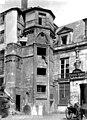 Hôtel des Prévôts - Tourelle d'escalier - Paris - Médiathèque de l'architecture et du patrimoine - APMH00011032.jpg