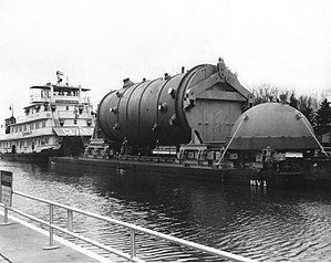Reactor pressure vessel - A reactor vessel body and vessel head being shipped to Dresden Generating Station