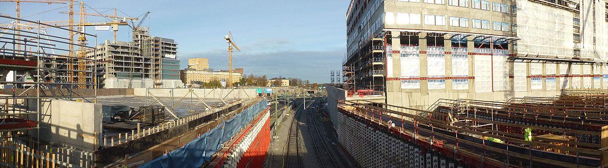 Området för Blivende Haga-byen i oktober 2012 set fra Solnabron med vy mod øst.