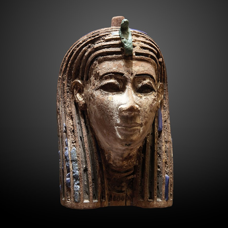 Head with glass incrusts-E 2704
