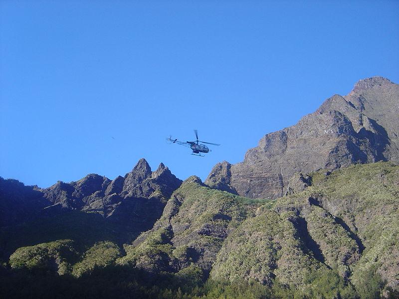 Fichier:Helicopter Mafate Marla dsc00666.jpg