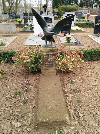 Henri Nouwen - Geysteren, NL memorial