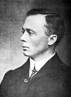Henry Harold Welch Pearson British-born South African botanist (1870—1916)