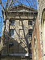 Henry VIII Gate, St Bartholomew's Hospital, City of London, England.jpg