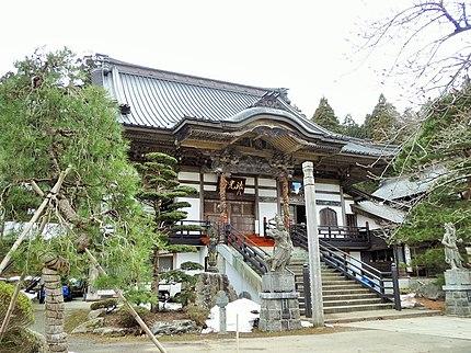 青森県の法光寺本堂