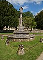 Holwell WarMonument.jpg