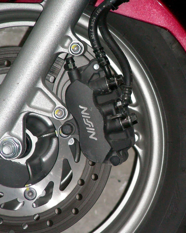 Honda CBS 3 Kolben Brems Zange 0290.jpg