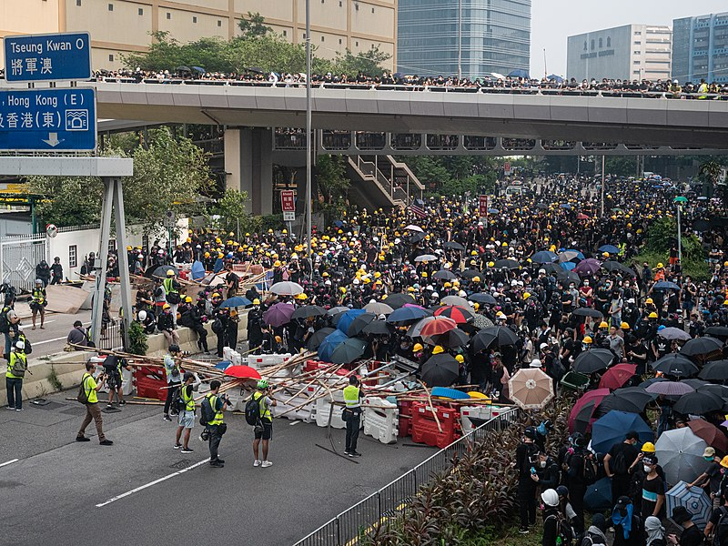 Hong Kong protests - Kwong Tong March 20190824 - P1066348.jpg