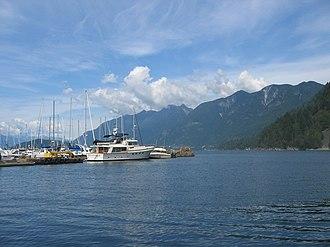 Horseshoe Bay, West Vancouver - Image: Horshbay mtns