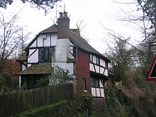 House near Pulborough Church.JPG
