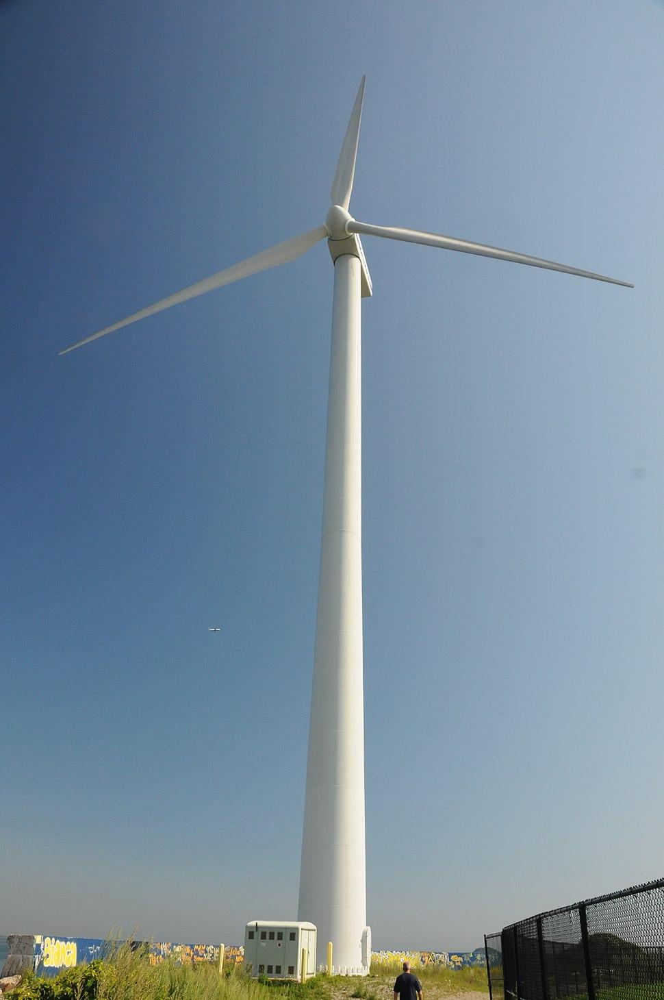 Hull 1 wind turbine 2775994684 683df13fd6 o