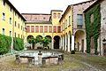 Imola, palazzo tozzoni, esterno, cortile 01.jpg