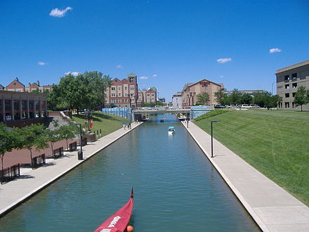 Indiana Central Canal by the Indiana History Center Indiana Central Canal IHS.JPG